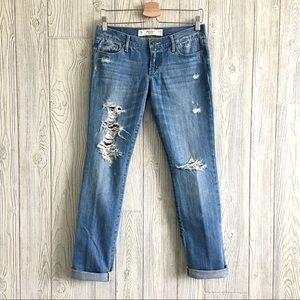 ABERCROMBIE & FITCH Erin Distressed Blue Jeans